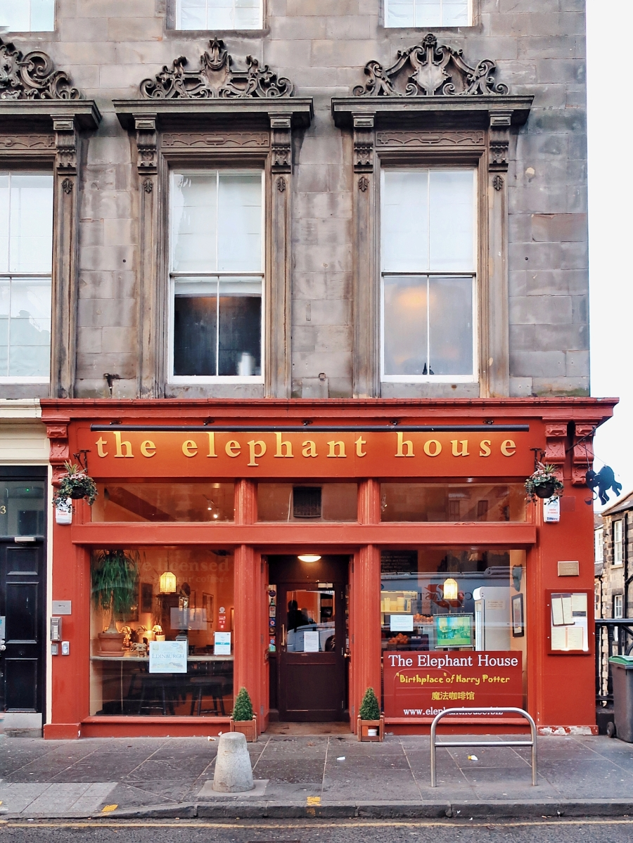 The Elephant House | 5 Tips For Visiting the Birthplace of Harry Potter