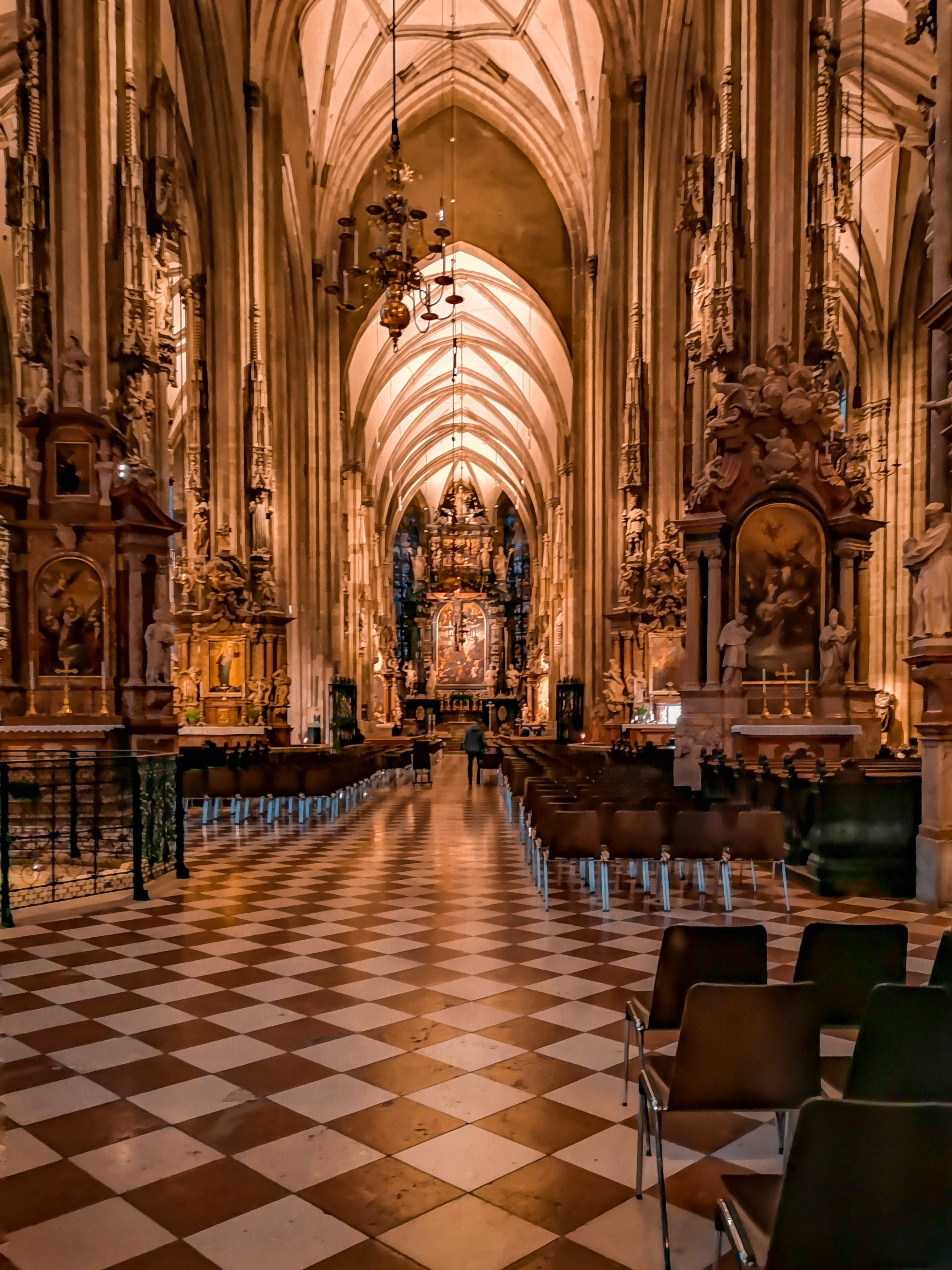 A Geeks Guide to Vienna | St Stephens Cathedral