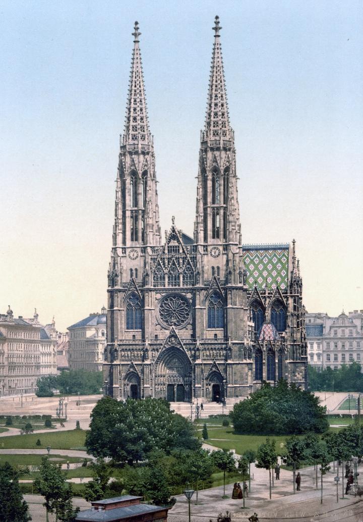 A Geeks Guide to Vienna | Votivkirche